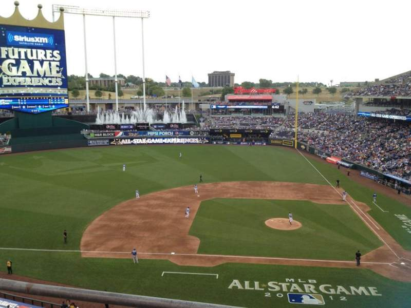 Seating view for Kauffman Stadium Section 412 Row B Seat 1