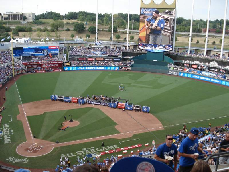 Seating view for Kauffman Stadium Section 425 Row EE Seat 15