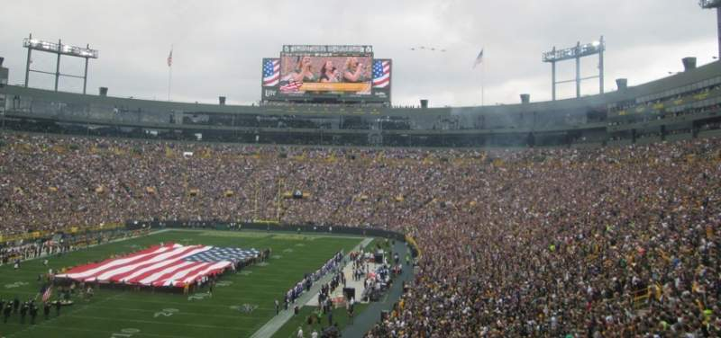 Seating view for Lambeau Field Section 133 Row 54