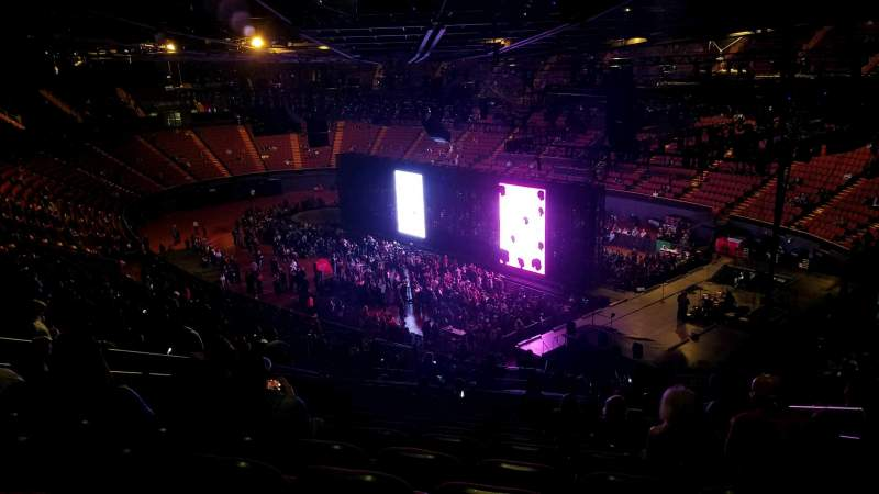 The Forum, section: 214, row: 16, seat: 16