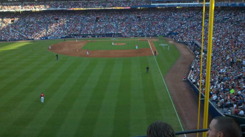 Seating view for Turner Field Section 332L Row 4 Seat 105