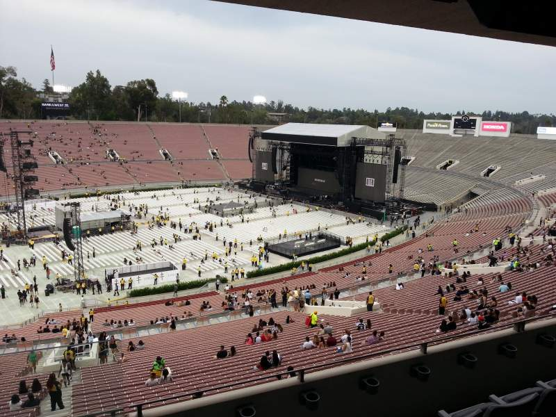 Seating view for Rose Bowl Section Club D109 Row D Seat 16