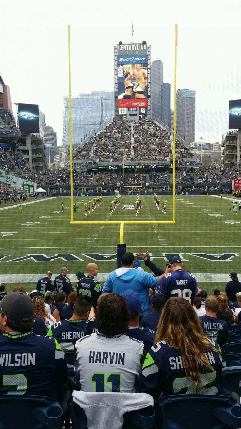 Seating view for CenturyLink Field Section 122 Row Q Seat 9