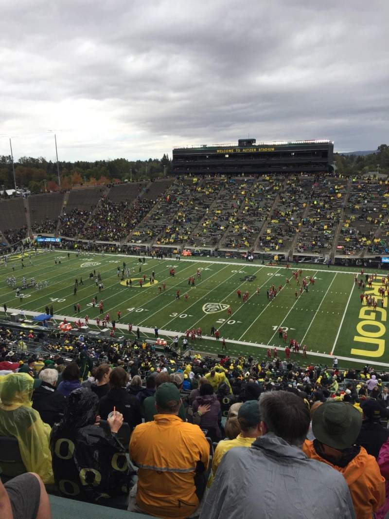Seating view for Autzen Stadium Section 27 Row 74 Seat 15