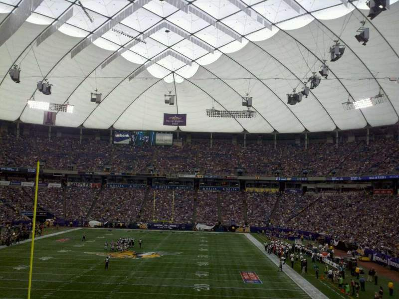 Seating view for Mall of America Field Section 141 Row 27 Seat 27
