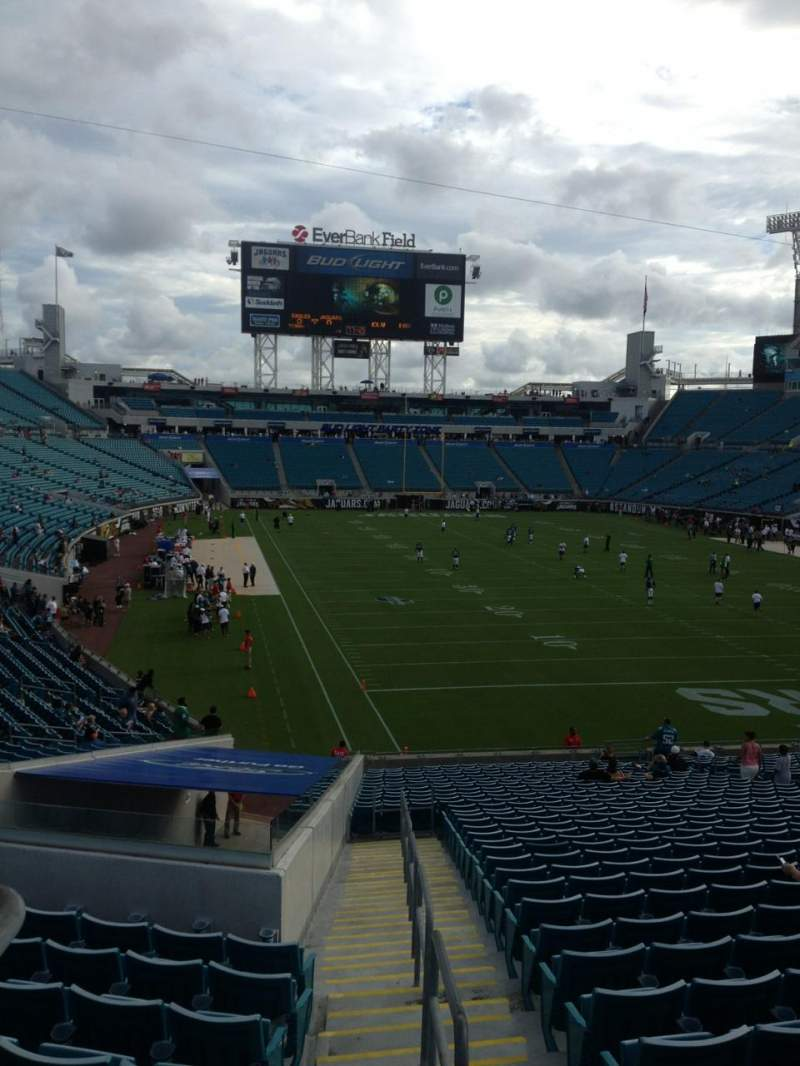 Seating view for Everbank Field Section 226 Row A Seat 6
