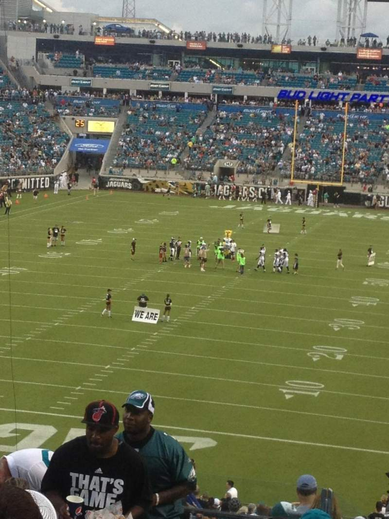 Seating view for Everbank Field Section 221 Row M Seat 18