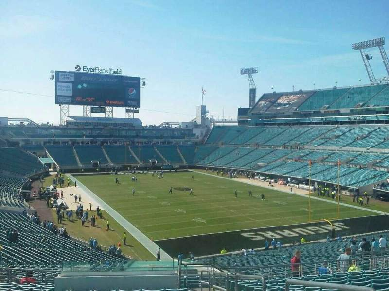 Seating view for EverBank Field Section 127 Row R Seat 2