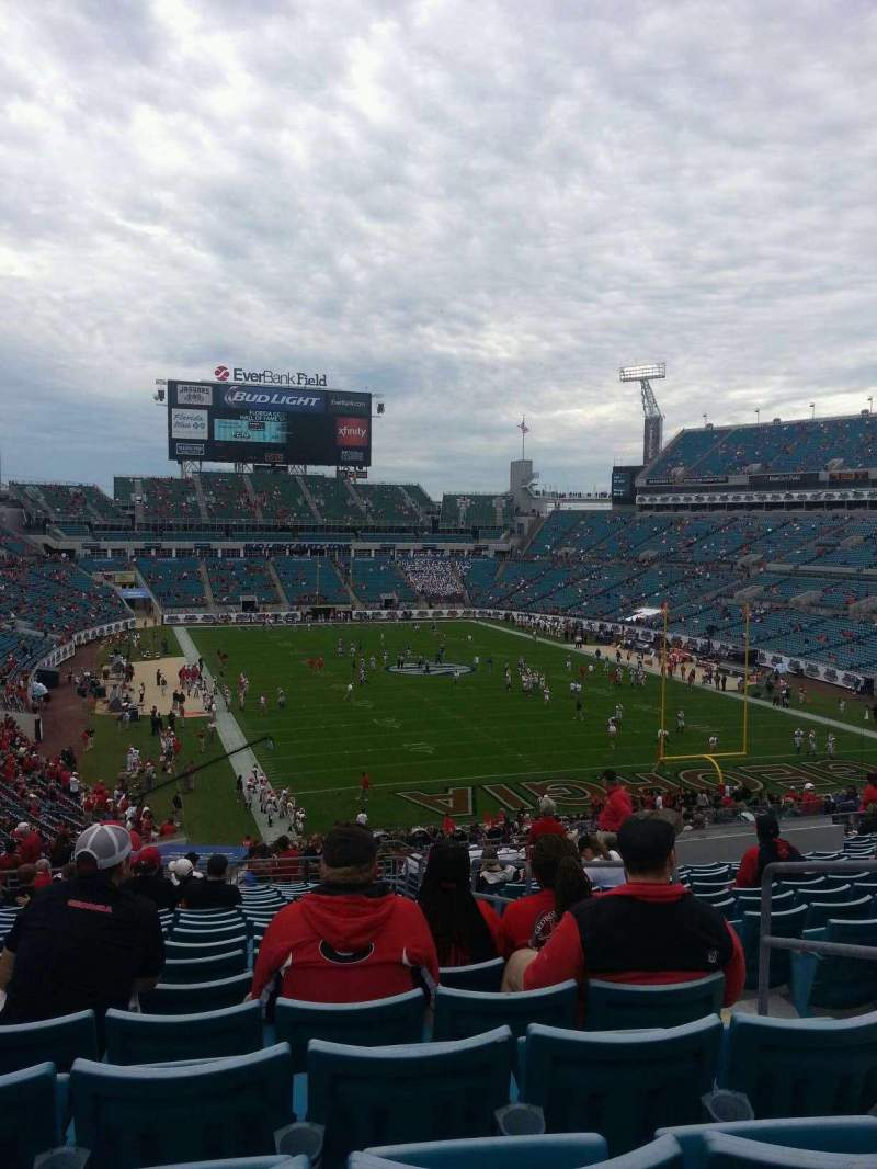 Seating view for EverBank Field Section 226 Row U Seat 4