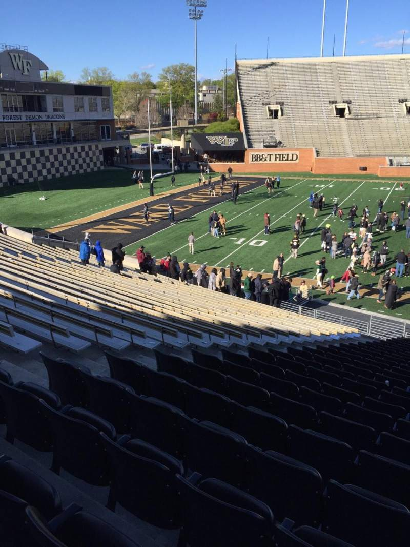 Seating view for BB&T Field Section 4 Row DD Seat 17