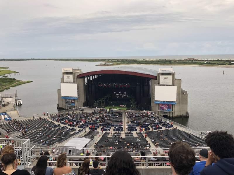 Jones Beach Theater, section: 20, row: N, seat: 18