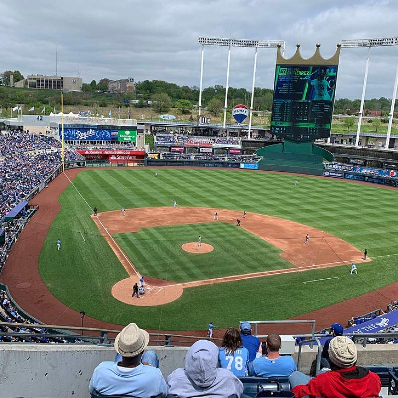 Seating view for Kauffman Stadium Section 423 Row J Seat 9