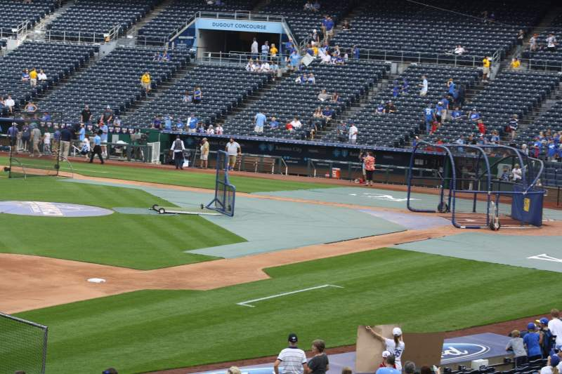 Seating view for Kauffman Stadium Section 213 Row HH Seat 7