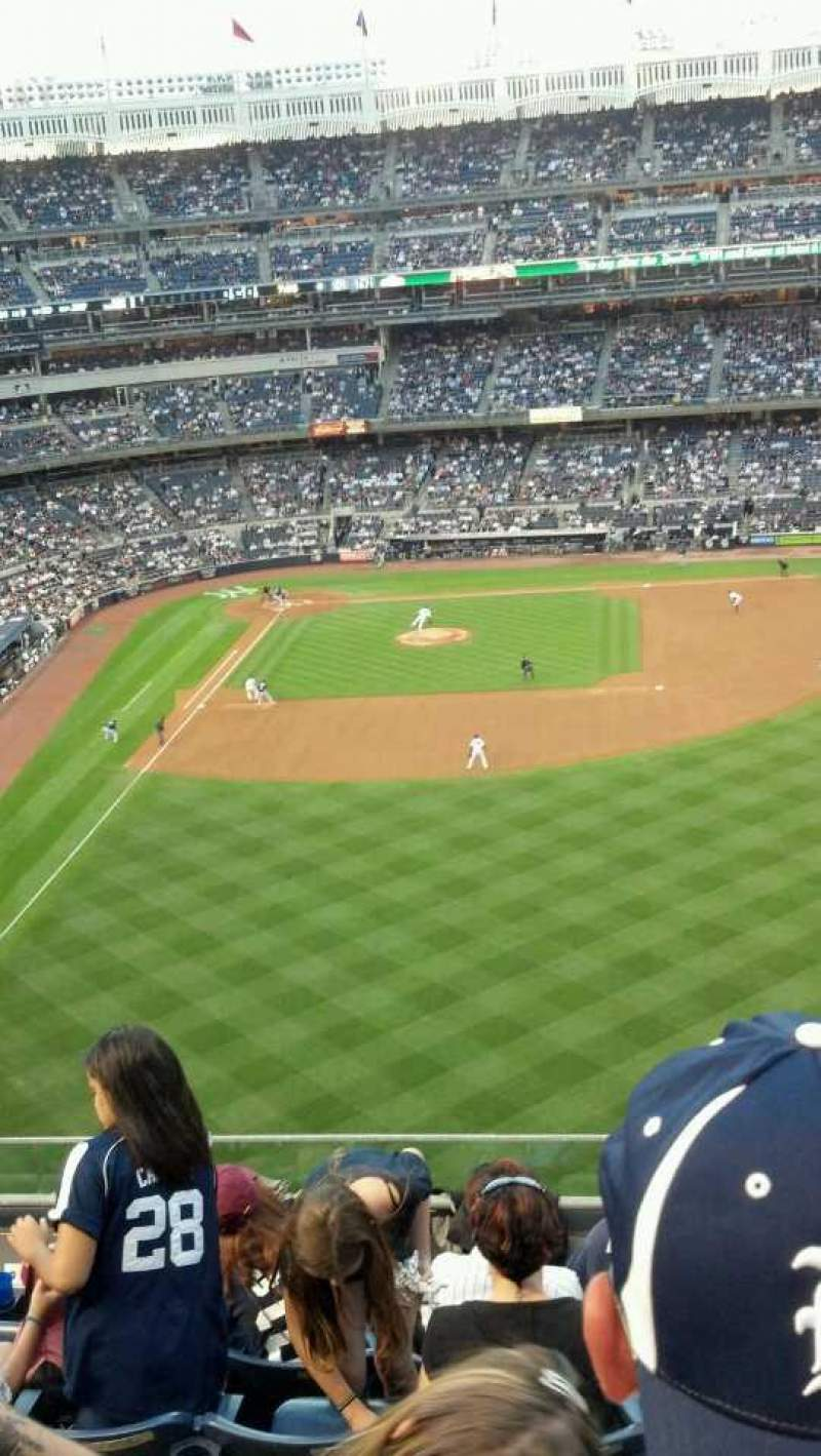 Seating view for Yankee Stadium Section 305 Row 6 Seat 9