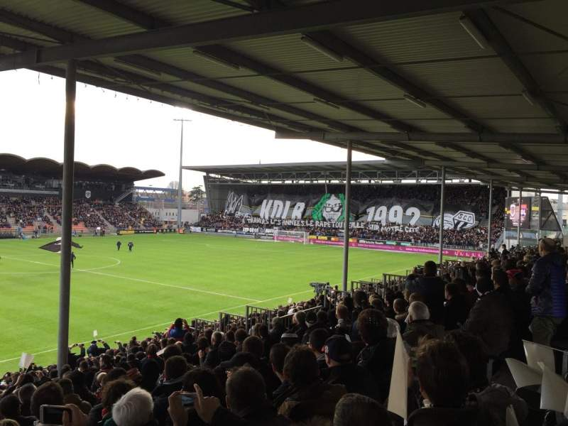 stade jean bouin section st leonard laterale row v seat 169 angers sco vs olympique. Black Bedroom Furniture Sets. Home Design Ideas