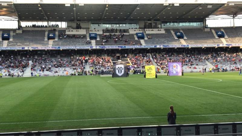 Seating view for Le Stadium de Toulouse Section Honneur Sud Row 14 Seat 225