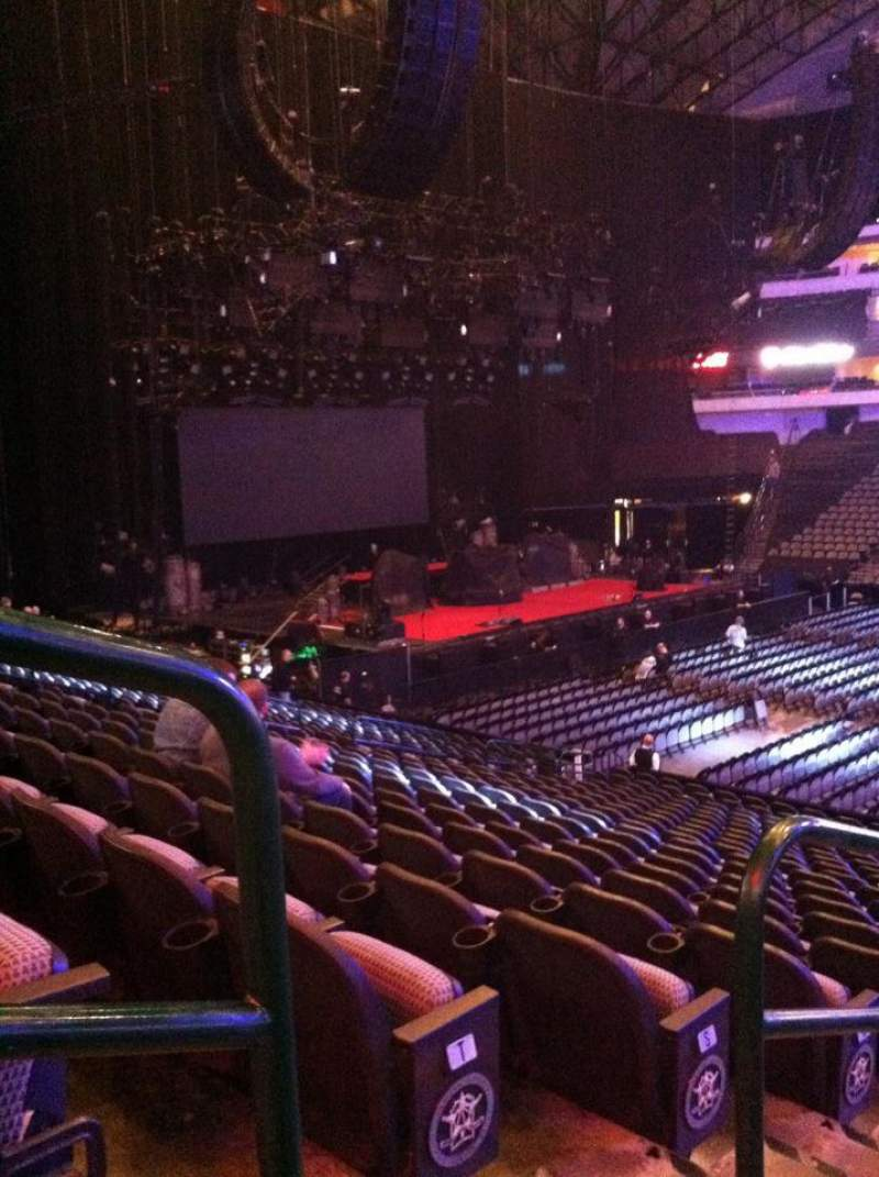 American Airlines Center, section: 118, row: V, seat: 18