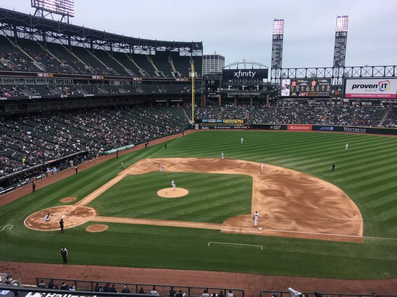 Seating view for Guaranteed Rate Field Section 324 Row 5 Seat 15