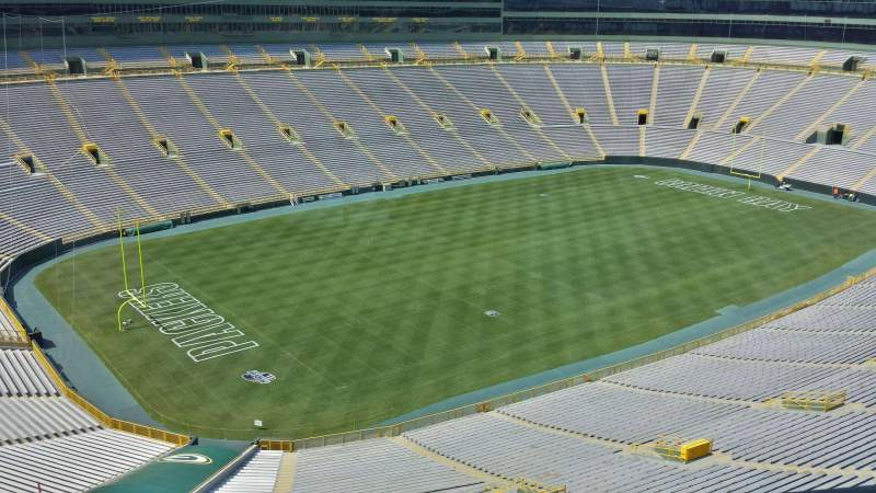 Seating view for Lambeau Field Section 635S Row 2 Seat 13